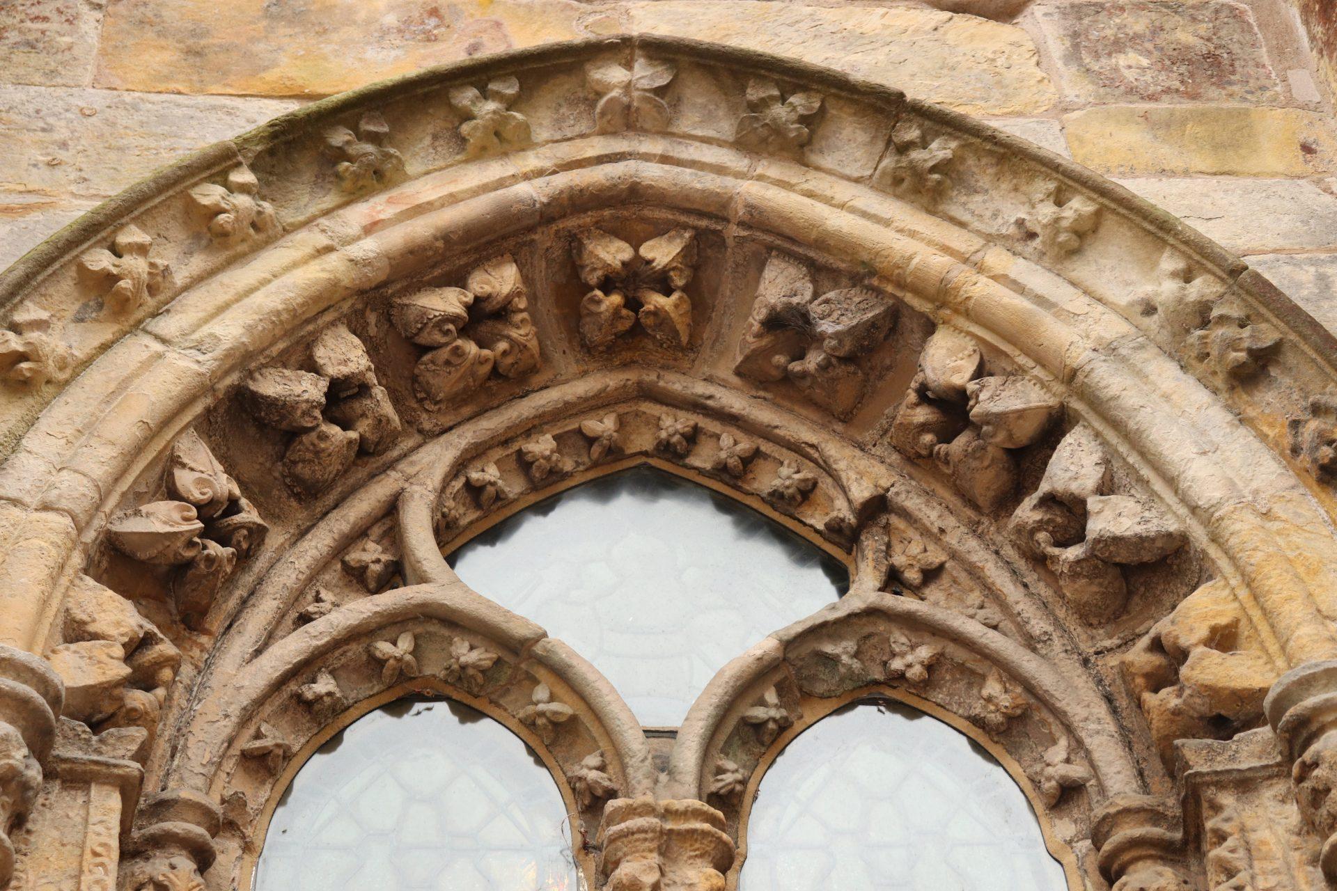 """Rosslyn Chapel – Berühmt aus Dan Browns """"Da Vinci Code"""""""